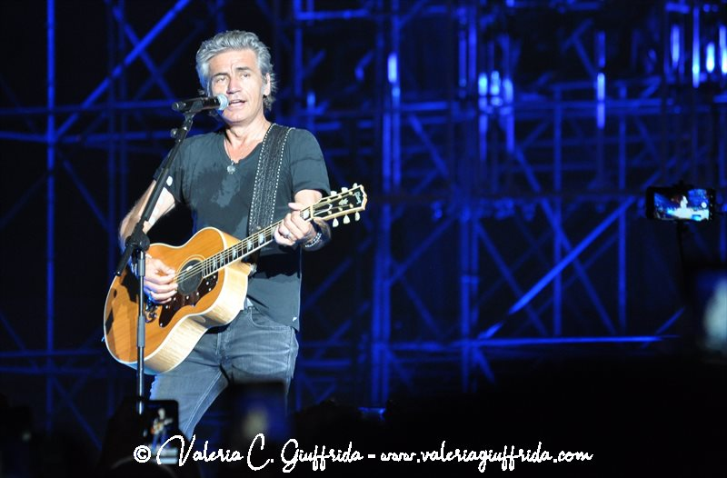 LIGABUE - MESSINA 17-6-19 - Ph. Valeria C. Giuffrida (12)