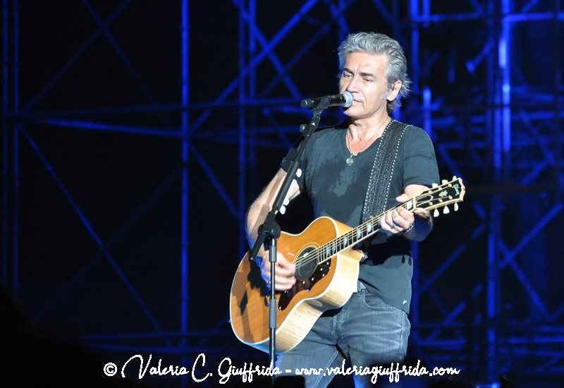 LIGABUE - MESSINA 17-6-19 - Ph. Valeria C. Giuffrida (13)